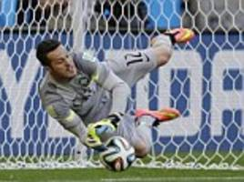 QPR recall Brazilian goalkeeper Julio Cesar from loan spell at MLS side Toronto FC