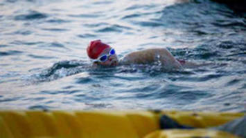 Ontario teen Annaleise Carr ends Lake Erie swim
